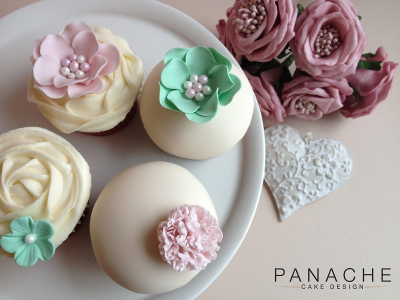 Favours - Blush Cupcakes - with logo