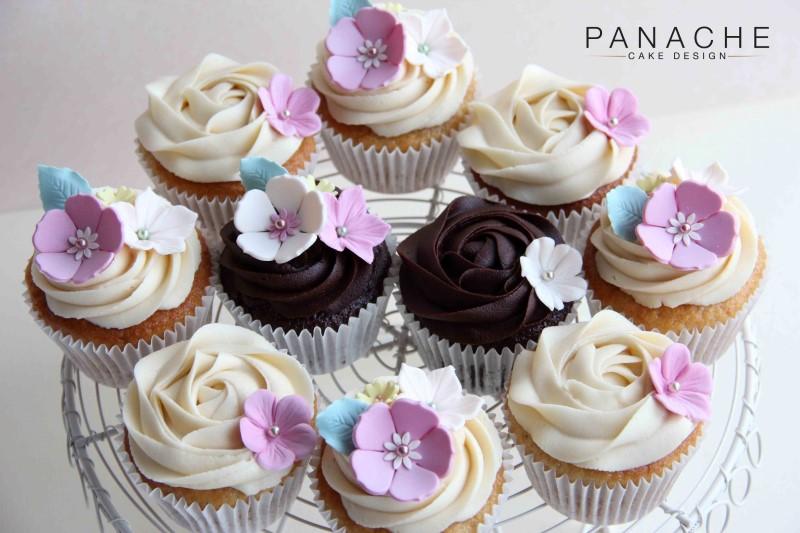 favours-floral-cupcakes